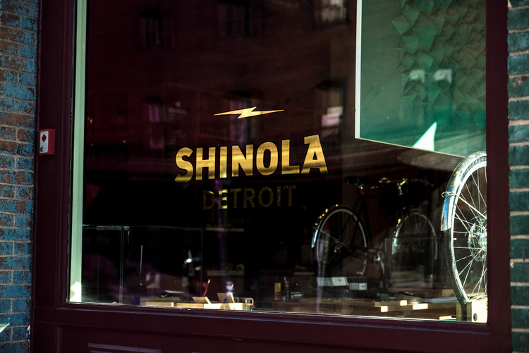 _ SHINOLA DETROIT  _ GOLDLEAF LETTERING  _ 2017