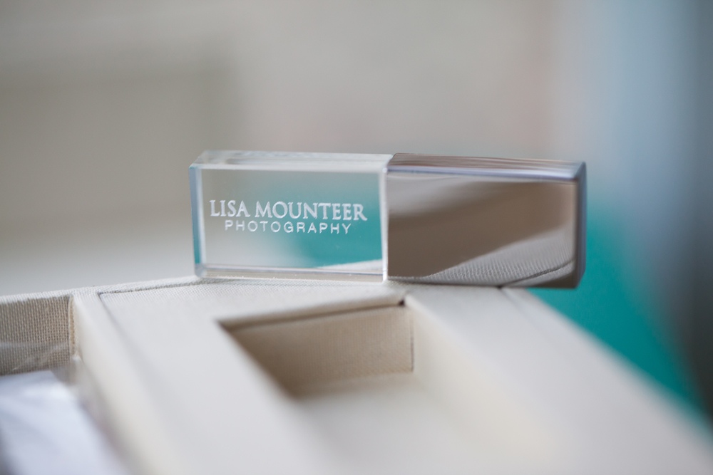 Lisa Mounteer Photography USB Drive