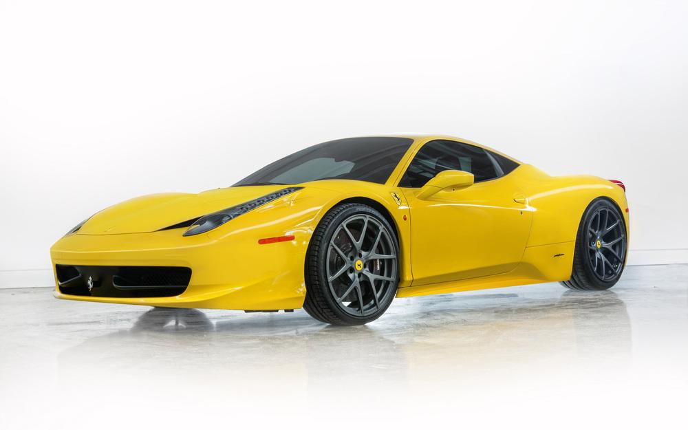 2013-Vorsteiner-Ferrari-458-Italia-Yellow-Studio-1-2560x1600.jpg