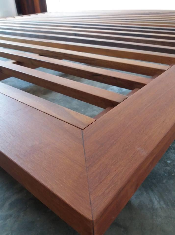 Ulin (ironwood) grain.