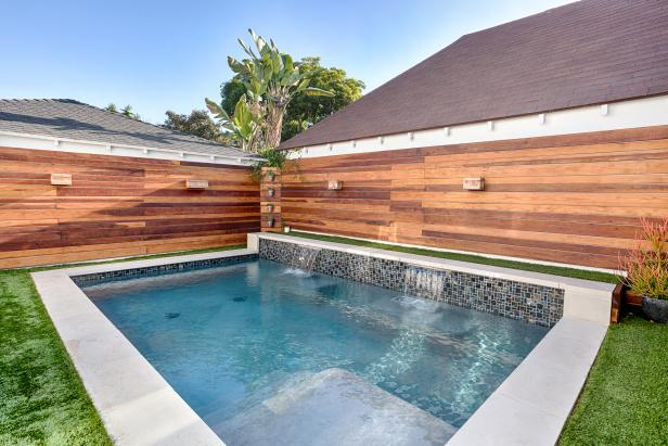 The relaxation combination of wood and a small pool - source hgtv