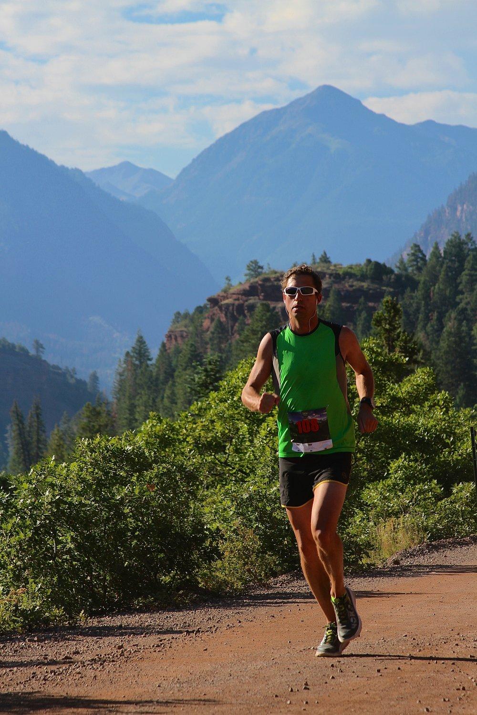 runner2-300.jpg
