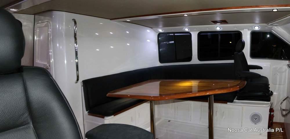 4800 Sportscruiser Flybridge  (4).jpg