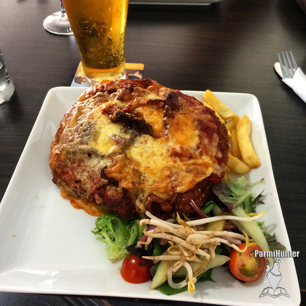 Twin Waters Parmi