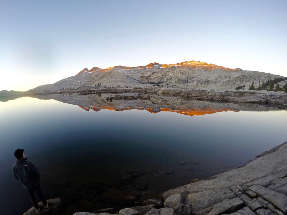 sunrise-aloha-lake-backpacking