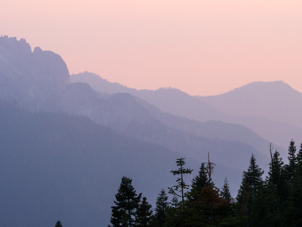 high-sierra-trail-backpacking-sunset-at-9-mile-creek.jpg