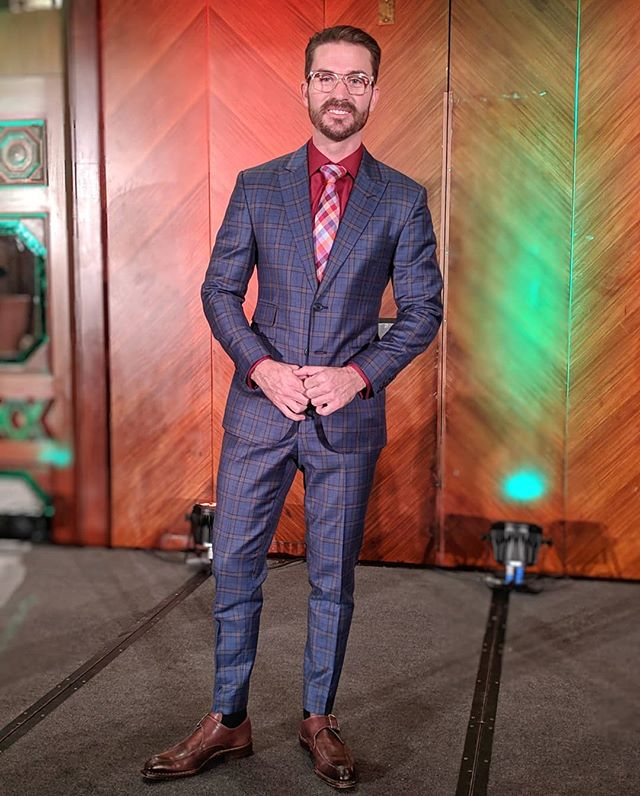 Thank you again to Turning Point Recovery in Vancouver, Canada! What a honor to speak at their annual gala fundraiser #Canada #Vancouver . Another fit by my man @davidaugustclothing