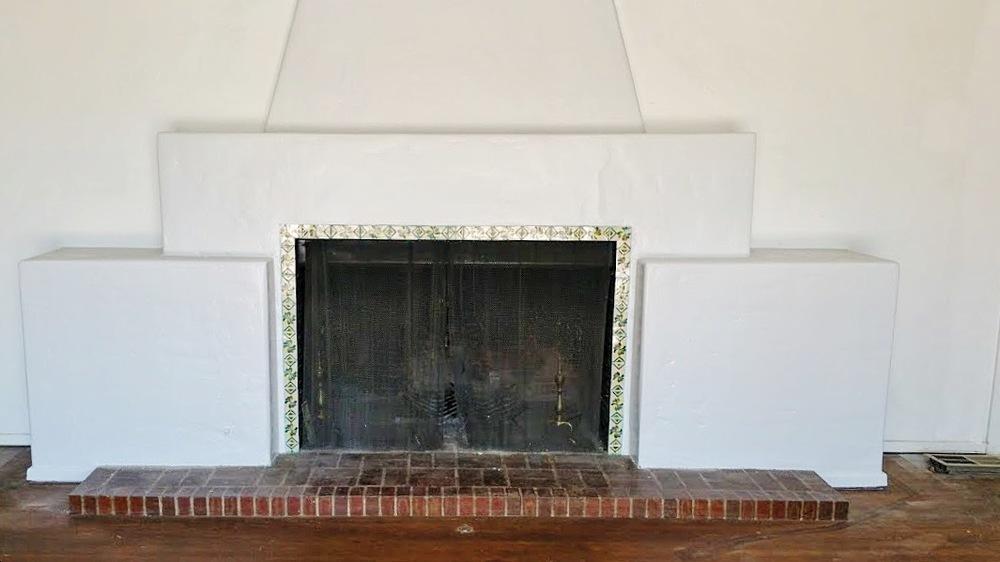 Fireplace_Close.JPG