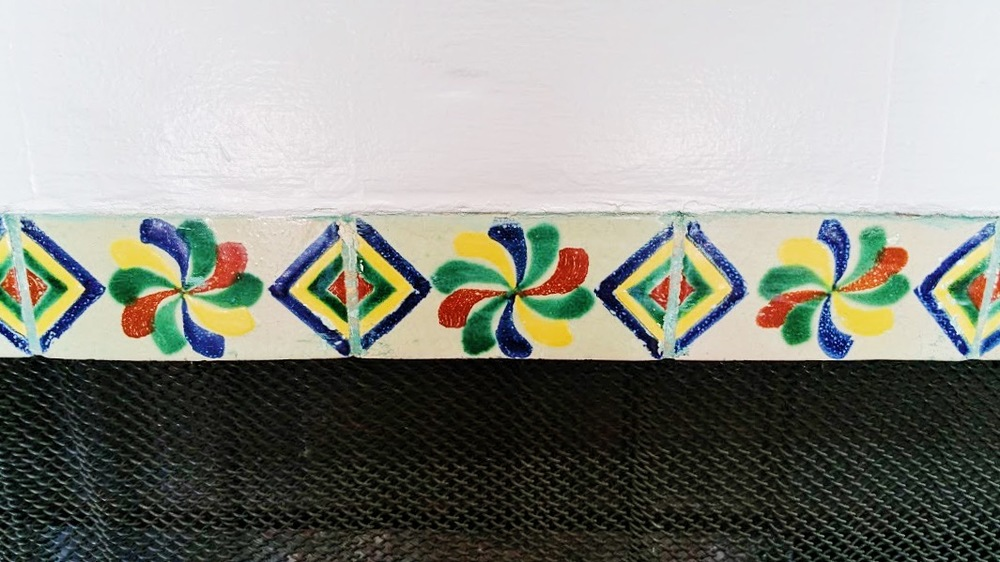 Original Fireplace Tile.JPG