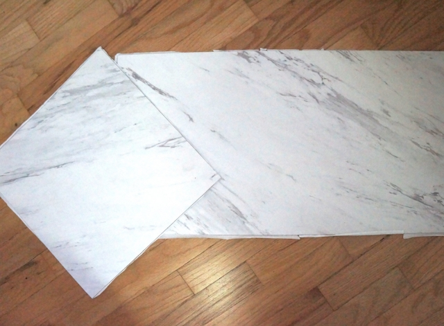 marble small space desk