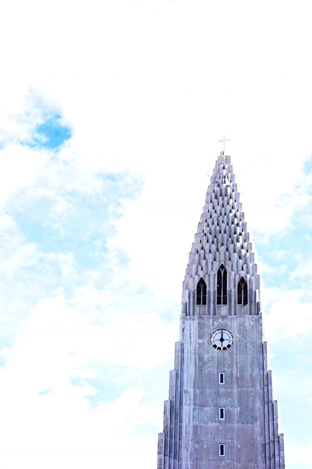 iceland travel guide HALLGRIMSKIRKJA