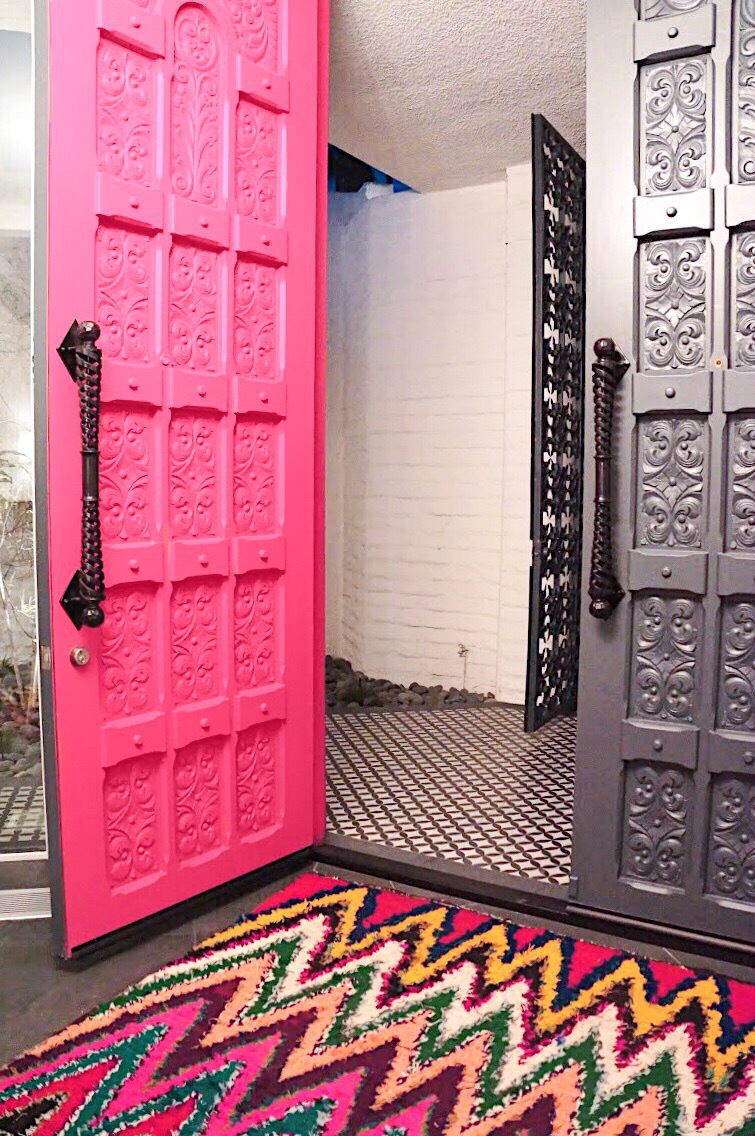 "The pink door is Dunn-Edwards ""Pink Dahlia"""