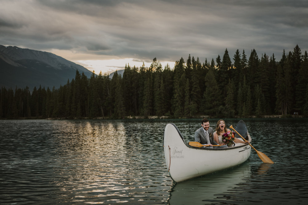 canoe-3.jpg