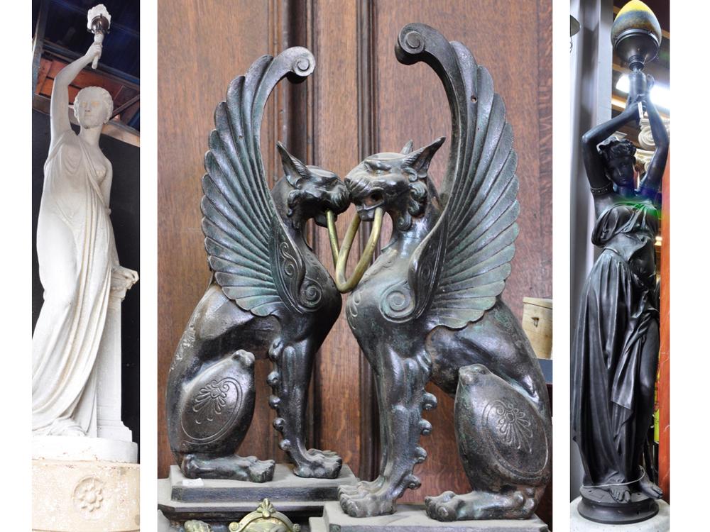 Gietijzeren vrouwen sculptuur,Ducel gieterij, Parijs 1900. Gietijzeren griffioenen, eind 19e eeuw.Gietijzeren vrouwen sculptuur,Durenne Gieterij,1900.