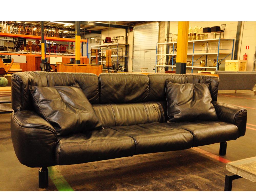 Gianfranco Frattini,Bull sofa voor Cassina ontworpen, '87.
