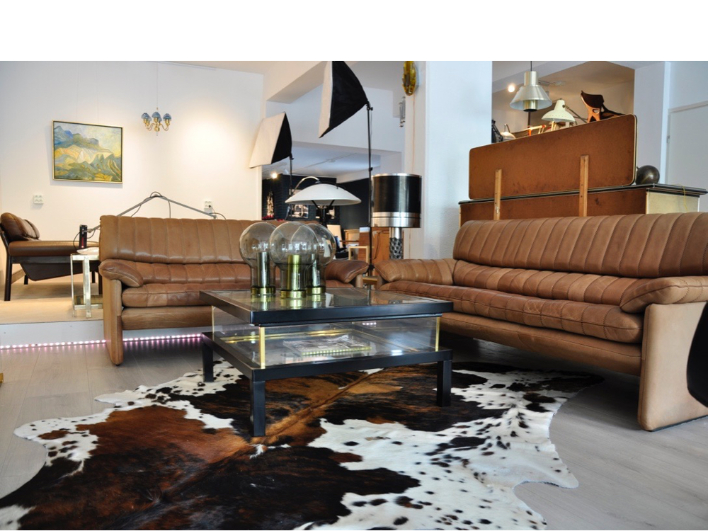 De Sede DS-85 twee- en drie-zits sofa van zeer dik cognacbruin neckleer.