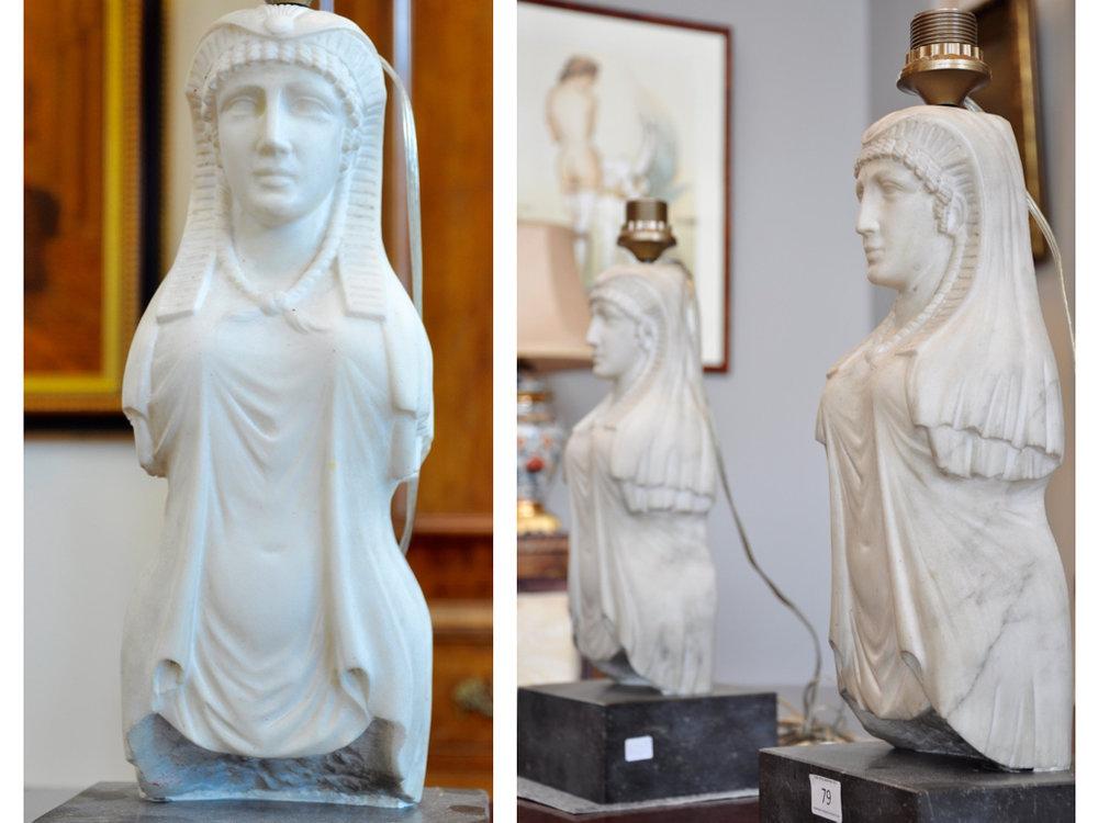 Set wIt marmeren sfinxen als lampvoeten, 1900 (90 cm),richtprijs € 800-1000.