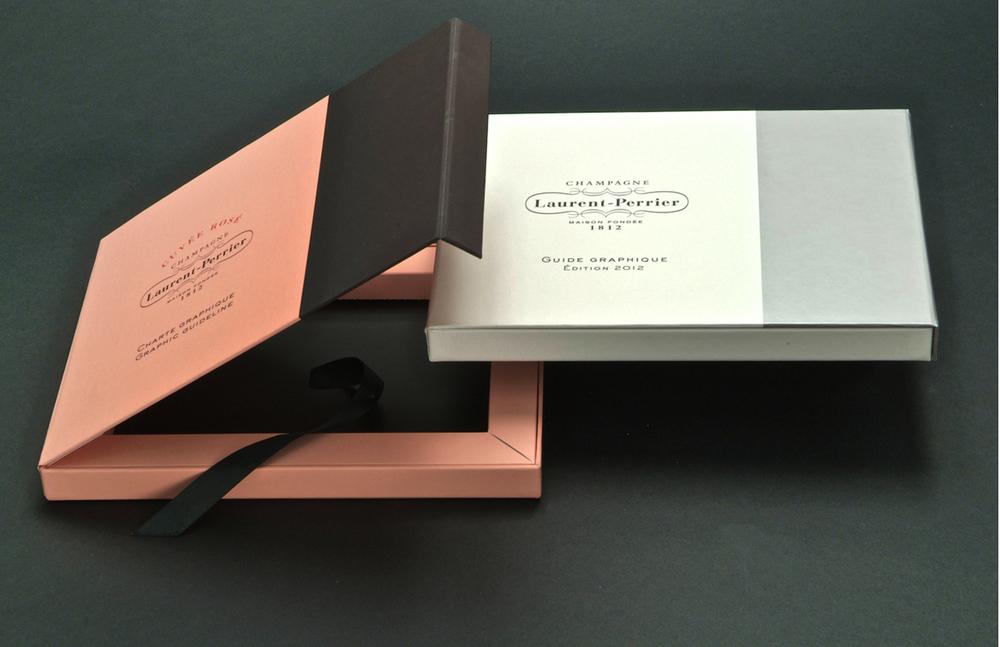 _-__0005_Imprimerie-du-marais-paris-imprimeur-impression-luxe-numerique-gaufrage-serigraphie-dorure-reliure-faire-part-h.jpg