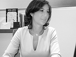 Karine Sasson Directrice Commerciale  01.42.72.94.46