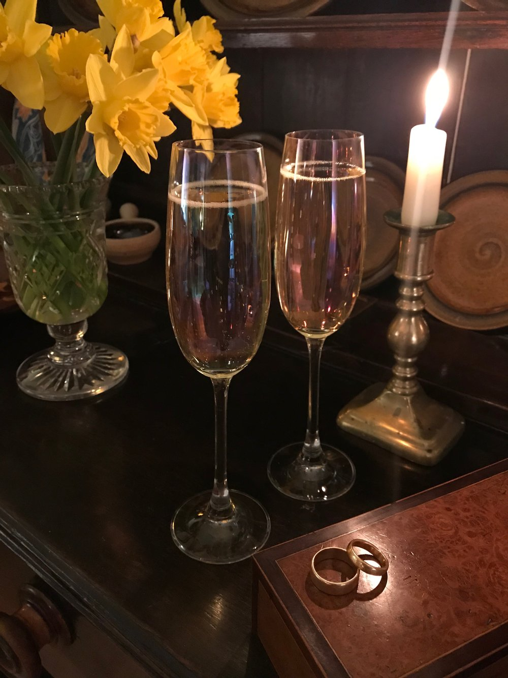 Enjoy a glass or two of champagne in the relaxed, friendly atmosphere of our home whilst you reflect on your day and some homemade scones are warming in the oven...
