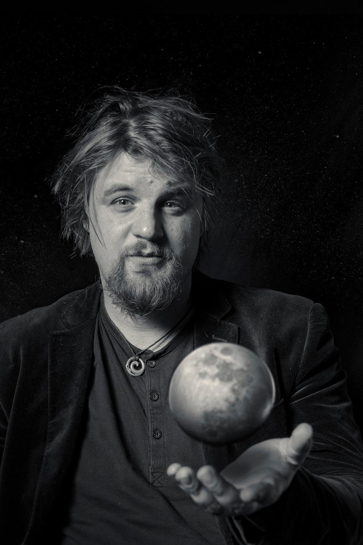 Martin-Moon.jpg