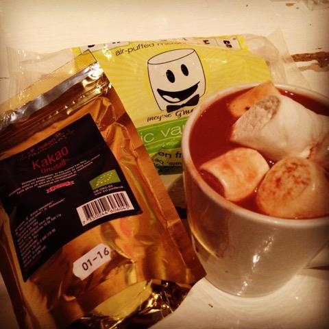 I stedet for trening i vinter har det vært trøstespising på sofaen. PS -  veganske marshmallows fra min sponsor Veganlife!