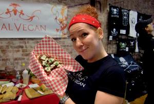 På  Veg Food Fest  i Toronto blir detforedrag, gratis matprøver, over 200 stands og masse spennende underholdning. Dette er en av Nord-Amerikas største veganske matfestivaler.
