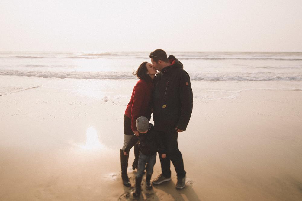 Le photographe de mariage à Bordeaux et Biscarrosse Jérémy Boyer capture l'amour de ce couple.