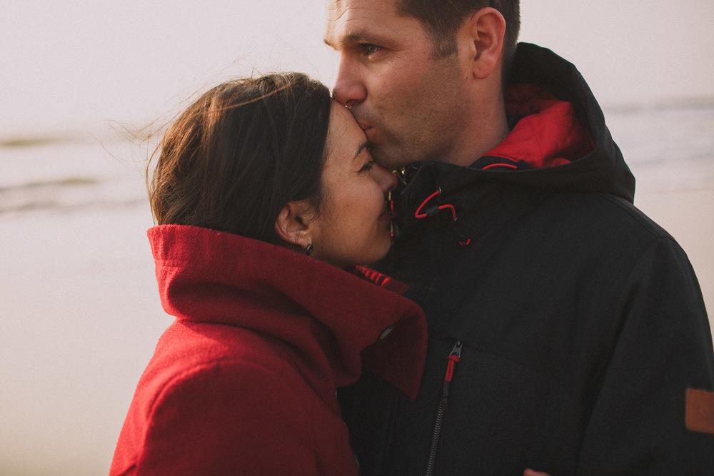L'amour est au rendez vous de cette séance photo par Jérémy Boyer photographe de mariage à Bordeaux.