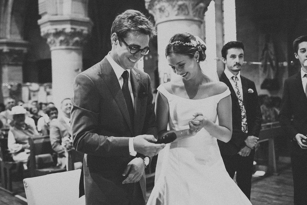 Photographe-mariage-bordeaux-jeremy-boyer-destination-wedding-chateau-pape-clement-emotion-amour-44.jpg