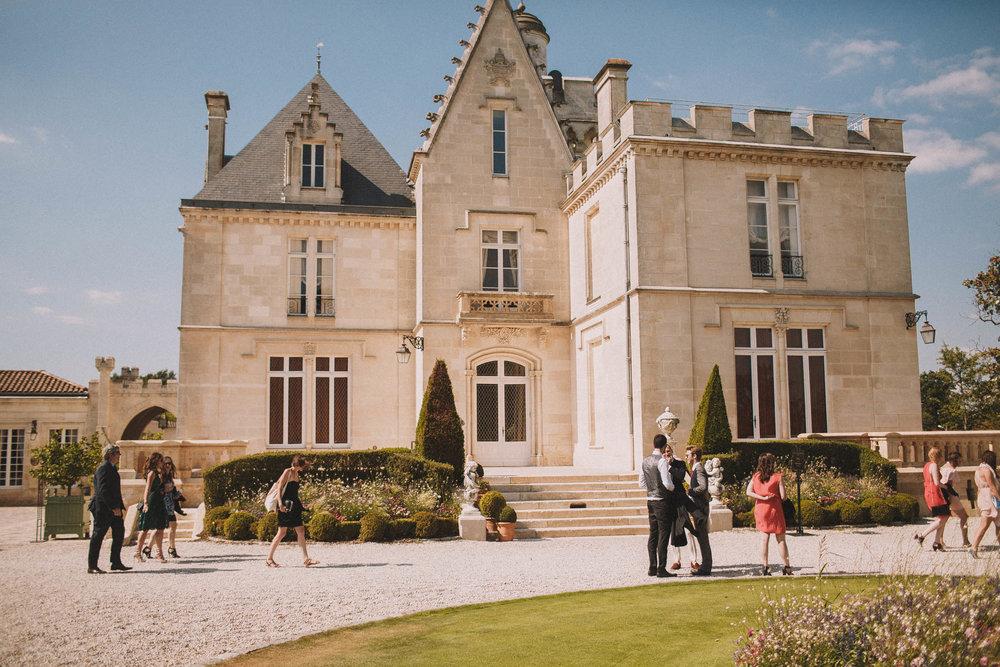 Photographe-mariage-bordeaux-jeremy-boyer-destination-wedding-chateau-pape-clement-emotion-amour-50.jpg