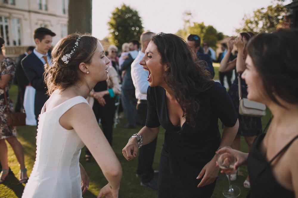 Photographe-mariage-bordeaux-jeremy-boyer-destination-wedding-chateau-pape-clement-emotion-amour-66.jpg