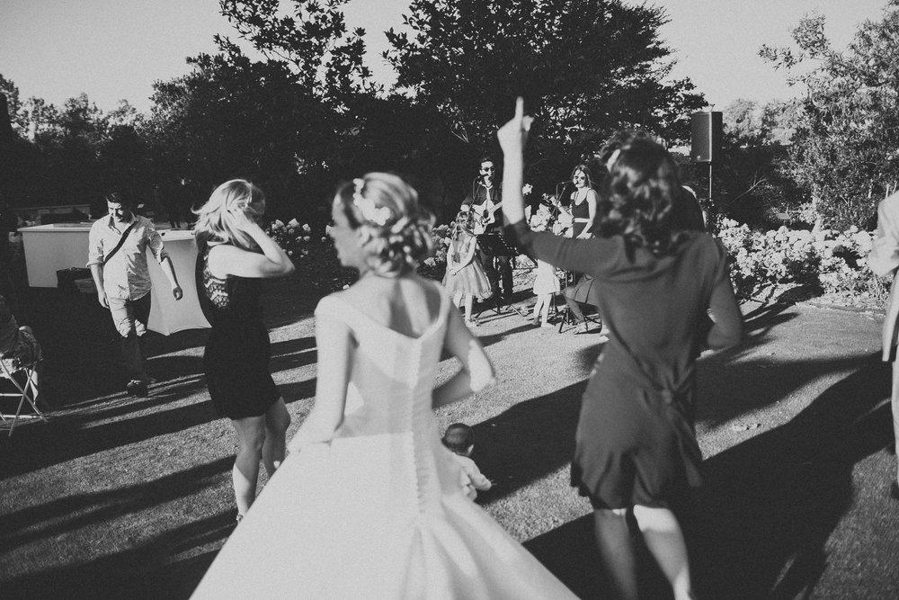 Photographe-mariage-bordeaux-jeremy-boyer-destination-wedding-chateau-pape-clement-emotion-amour-67.jpg