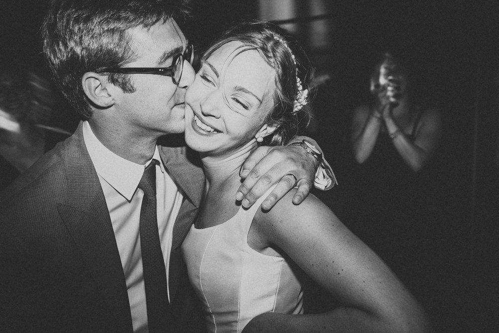 Photographe-mariage-bordeaux-jeremy-boyer-destination-wedding-chateau-pape-clement-emotion-amour-78.jpg