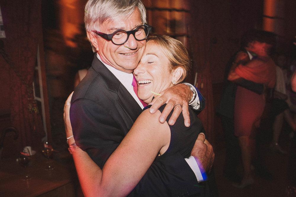 Photographe-mariage-bordeaux-jeremy-boyer-destination-wedding-chateau-pape-clement-emotion-amour-79.jpg