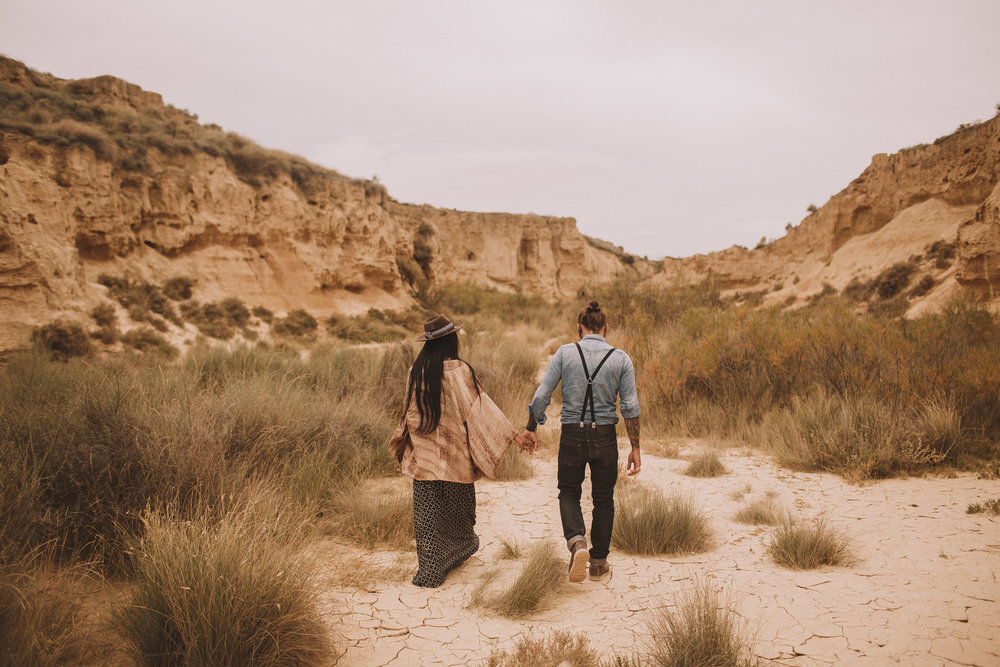 Bardenas-Spain-wedding-photographer-destination-dress-elopement-ceremony-desert-couple-love-jeremy-boyer-14.jpg