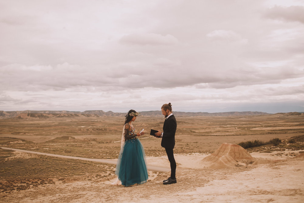 Bardenas-Spain-wedding-photographer-destination-dress-elopement-ceremony-desert-couple-love-jeremy-boyer-102.jpg