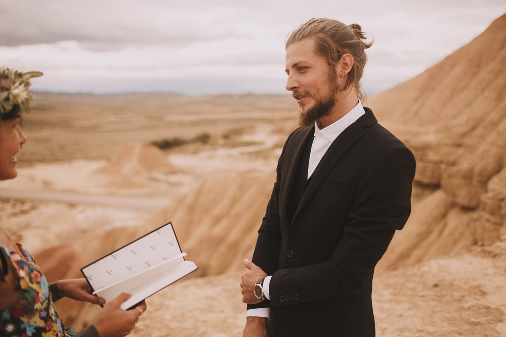 Bardenas-Spain-wedding-photographer-destination-dress-elopement-ceremony-desert-couple-love-jeremy-boyer-106.jpg