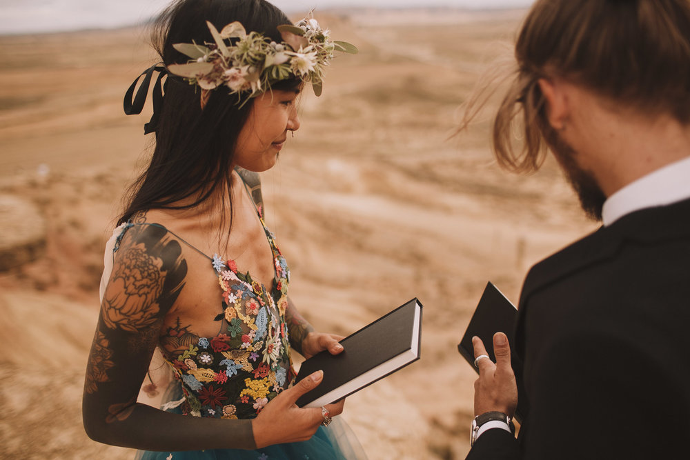 Bardenas-Spain-wedding-photographer-destination-dress-elopement-ceremony-desert-couple-love-jeremy-boyer-114.jpg