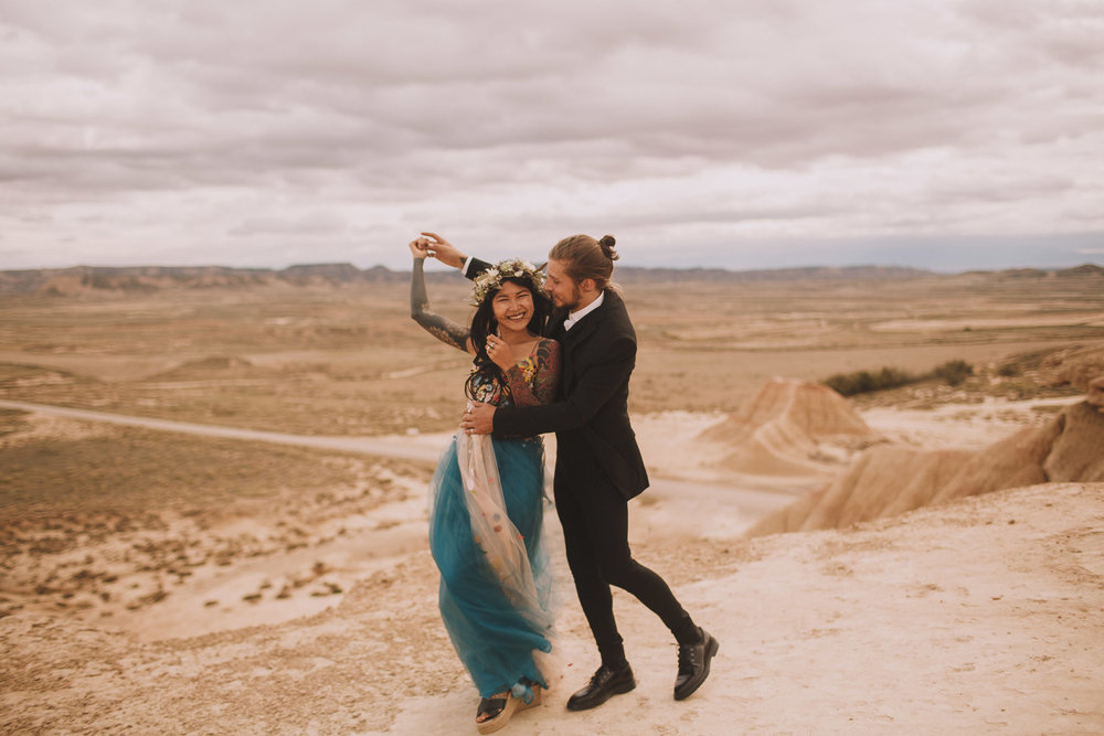 Bardenas-Spain-wedding-photographer-destination-dress-elopement-ceremony-desert-couple-love-jeremy-boyer-119.jpg