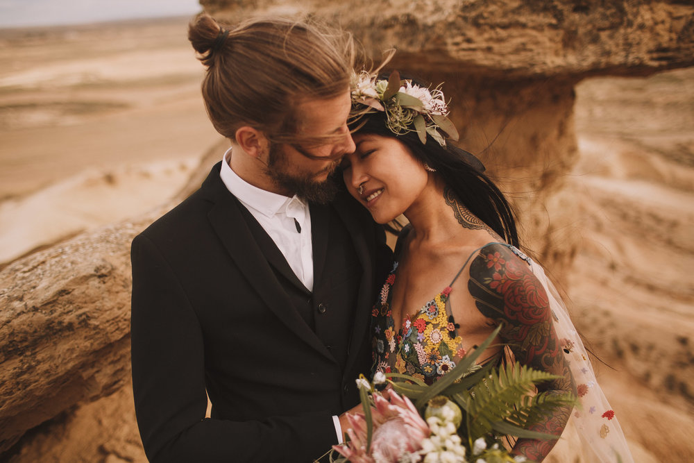 Bardenas-Spain-wedding-photographer-destination-dress-elopement-ceremony-desert-couple-love-jeremy-boyer-139.jpg