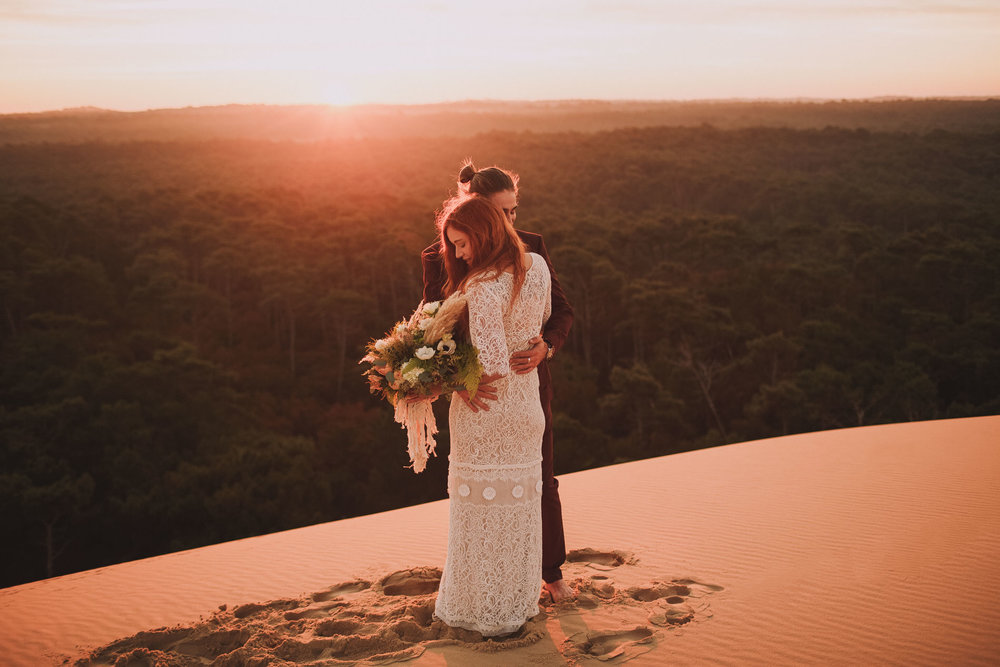 Destination-wedding-photographer-jeremy-boyer-manon-pascual-josefa-fleuriste-dune-du-pilat-pyla-1.jpg