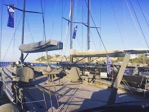 Time for a day of racing here in Porto Cervo, Sardinia! Hopefully the wind gods are generous today for these weapons 💨💨💨 ⚓️ #roamingspirit #loropiana #sardinia #mediterranean #regatta #sailing #boatlife #sunshine #explore #boom