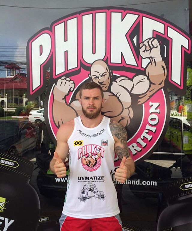 Great to have another visit from  @vitaly_bigdash 2x One FC Middle Weight Champion 👊🏼🙌🏼 #onefc #vitalybigdash #mma #pronutritionthailand #phuketpronutrition #bodylikeaboss