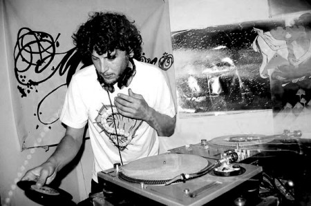 Mophono (real name Benji Illgen) is an instrumental hip-hop artist residing in San Francisco. Also known as DJ Centipede, he runs his own Change the Beat night and CB Records label, and is part of Flying Lotus' Brainfeeder collective. His 2011 full length debut is entitled 'Cut Form Crush'. http://www.myspace.com/mophono
