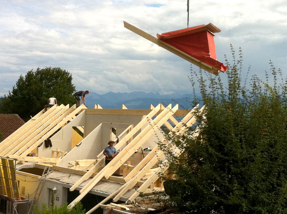 Aufrichten von Dach, Wand- und Lukarnenelementen