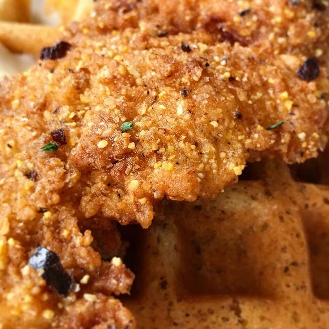 Can we talk about how insanely good the breading on the fried chicken at @commune_va is? Spicy, salty, pungent, and uber crispy. Oh and the cornmeal waffle is everything too. 🤤 • #virginia #foodie #brunch #chicken #fried #crispy #waffle #southern #food #eatlocal #smallbusiness #vafoodie #insidevirginia