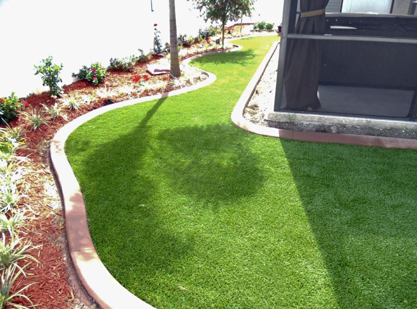 Beverly-Hills-Artificial-Grass-Patio.JPG