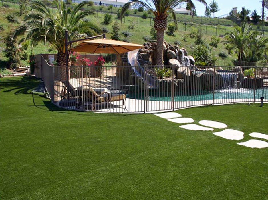 Santa-Monica-Artificial-Grass-Installation-2.jpg