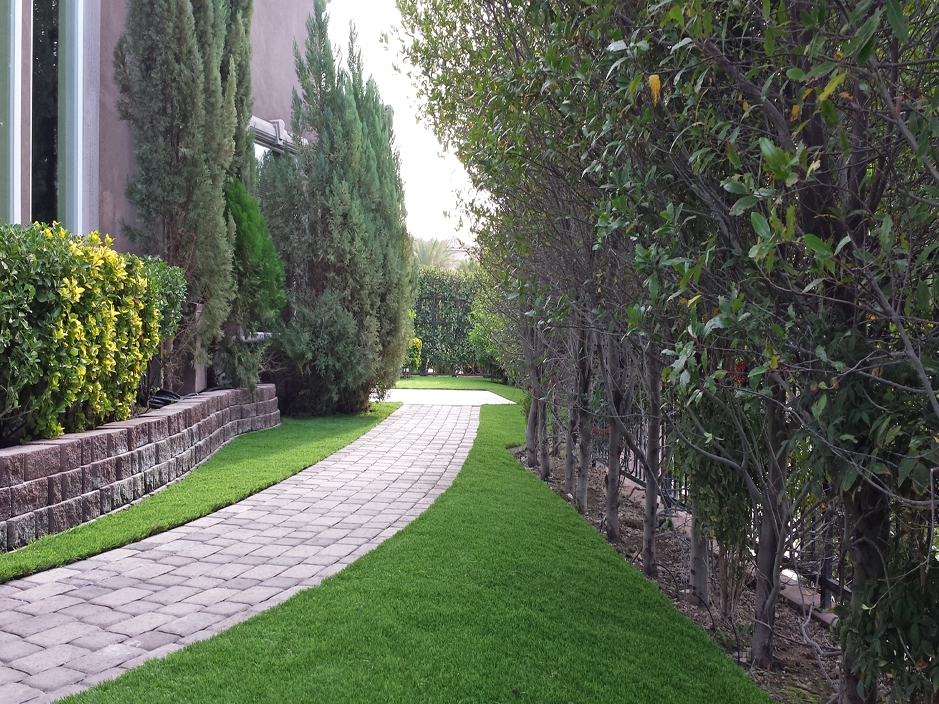 Artificial_Grass_Northridge.jpg